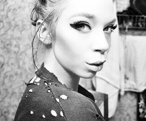 grav3yardgirl and bunny meyer image