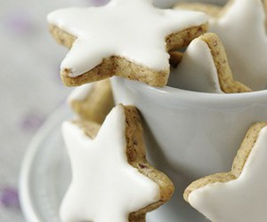 cannelle, white, and stars image
