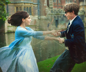 movie, eddie redmayne, and Felicity Jones image