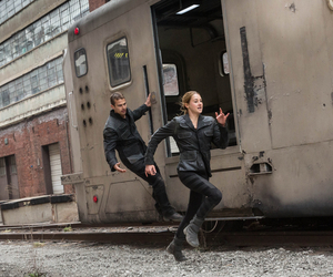 Shailene Woodley, train, and divergent image