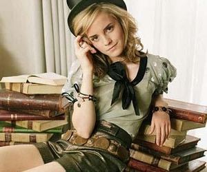 actress, books, and emma image