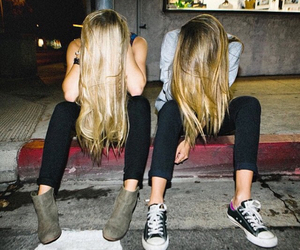 girl, grunge, and best friends image