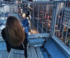 girl, city, and nike image