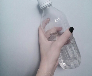 pale, tumblr, and grunge image