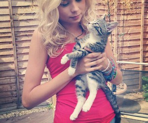 nina nesbitt, blonde, and cat image