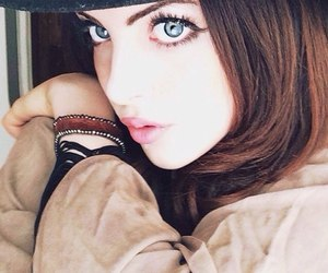 elizabeth gillies, blue eyes, and victorious image