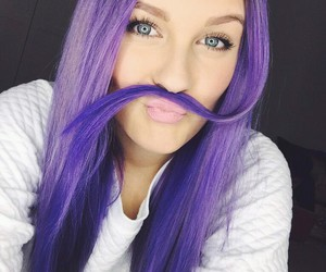 dagi bee and purple image
