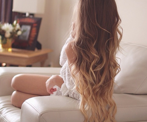 curly hair, girl, and wavy hair image