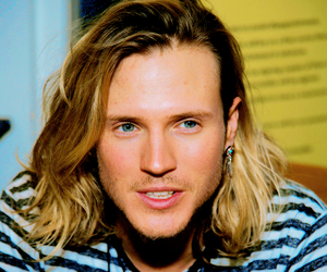 dougie poynter, McFly, and gorgeous image