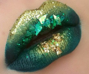 lips and green image
