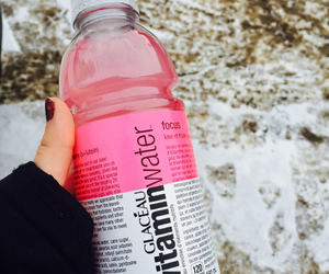 miam, vitamin water, and glaceau image