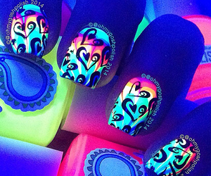 beauty, fashion, and glow in the dark image