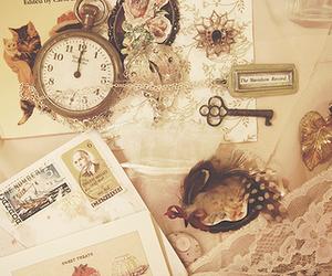vintage, key, and clock image