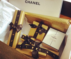 chanel, gifts, and holidays image