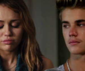 miley cyrus, miley, and cry image