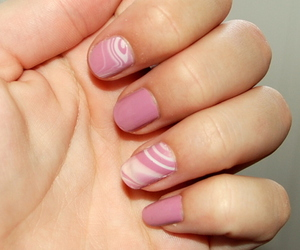chic, nail polish, and swirl image