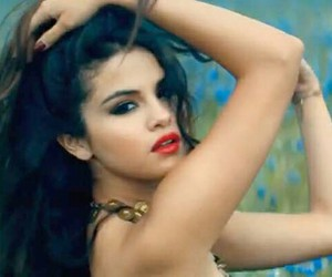 beauty, girl, and selena image