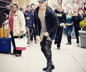 new york and justin bieber image