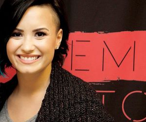 demi lovato, hair, and smile image
