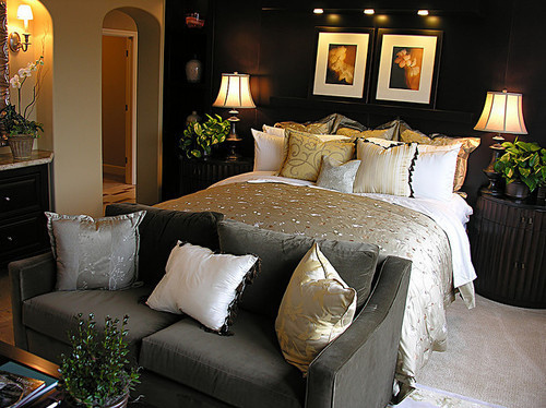 Bed-bedroom-couch-cushions-interior-favim.com-146274_large