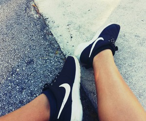 nike, shoes, and roshes image