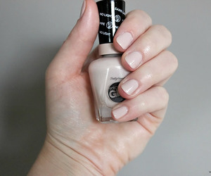mani, neutral, and beige nails image
