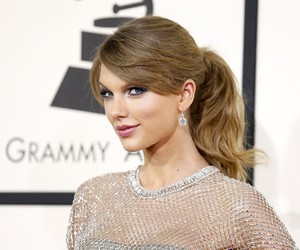 fashion, grammys, and red carpet image