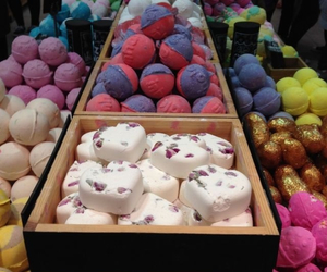 bath bombs, lush, and smell goods image