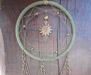 forest green, dreamcatcher necklace, and sun dreamcatcher image