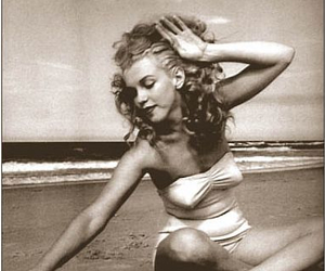 marilyn, playa, and sexy image