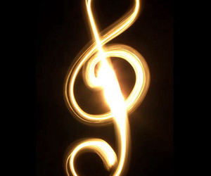 lumiere, music, and note image