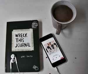 1989, Taylor Swift, and wreck this journal image