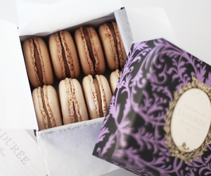 food, macaroons, and yummy image