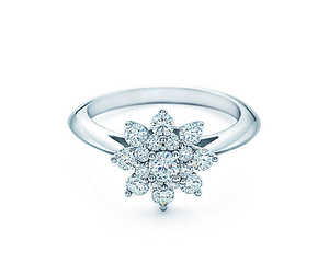 flower, ring, and engagement ring image