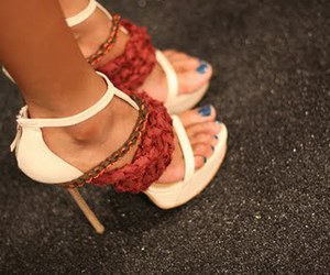 blue nails and heels image