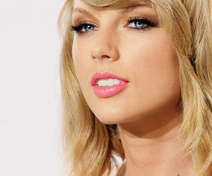 Taylor Swift and make up image