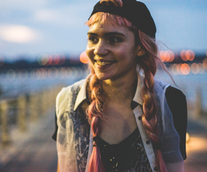 grimes and grunge image