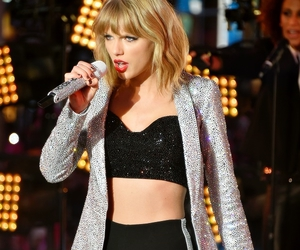 concert, Taylor Swift, and new year image