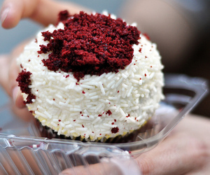 food, cake, and red velvet image