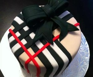 cake, Burberry, and fashion image