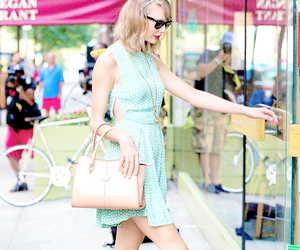 Taylor Swift and ta image