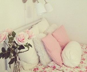 beautiful, girly, and pillows image