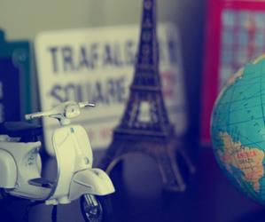 paris and world image