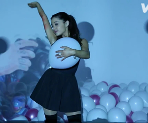 arianagrande and theway image