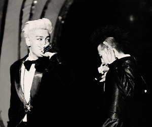 gd, T.O.P, and top image