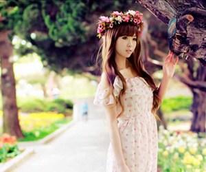 fashion, kfashion, and flowers image