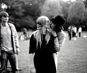 b&w, love, and couple image