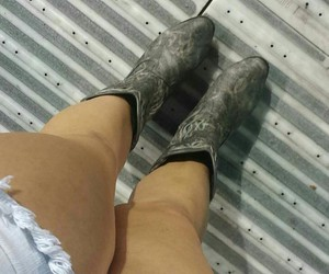 country, cowboy boots, and country girl image