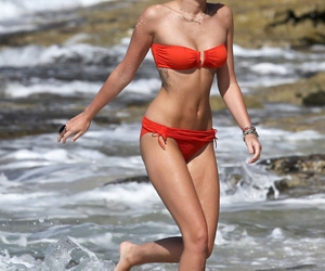 miley cyrus and fitspo image