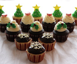 christmas, christmas tree, and cupcake image